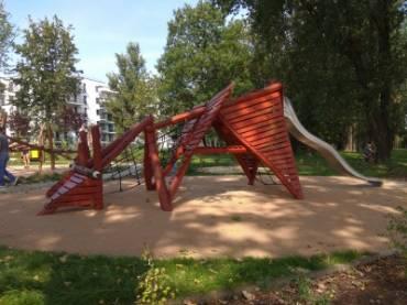 Smoczy Skwer ul. Ofiar Dąbia w Parku Dąbie W Krakowie