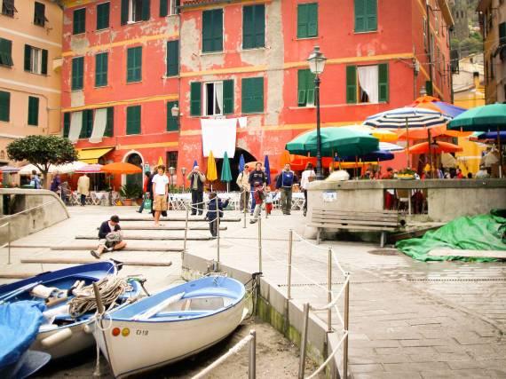 Cinque Terre - pięć malowniczych miast położonych na skałach
