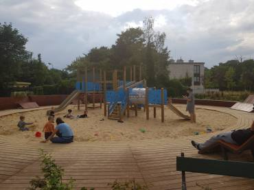 Plac zabaw w parku Dębnickim w Krakowie