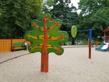 Polsko Węgierski historyczny plac zabaw w Warszawie